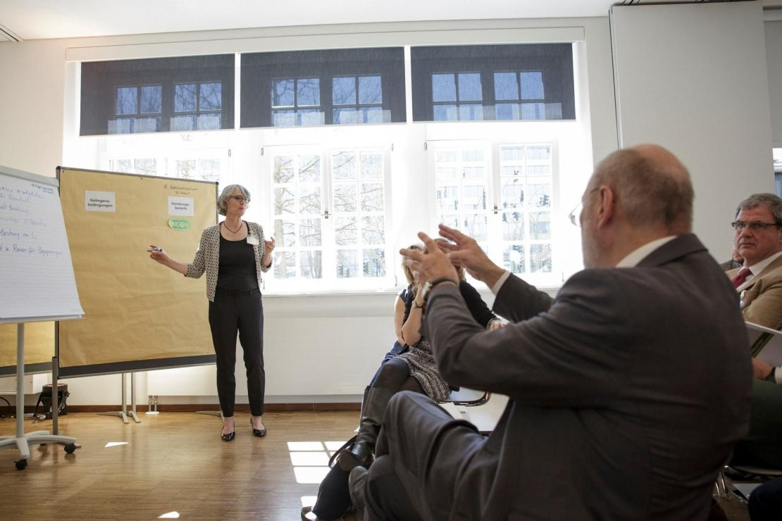 """""""Einfühlsame und starke Lehrer sind entscheidend für gelingende Wertebildung"""" – Fokusrunde  """"Professionalisierung von Lehramtsanwärtern und Lehrkräften in der Wertebildung"""""""