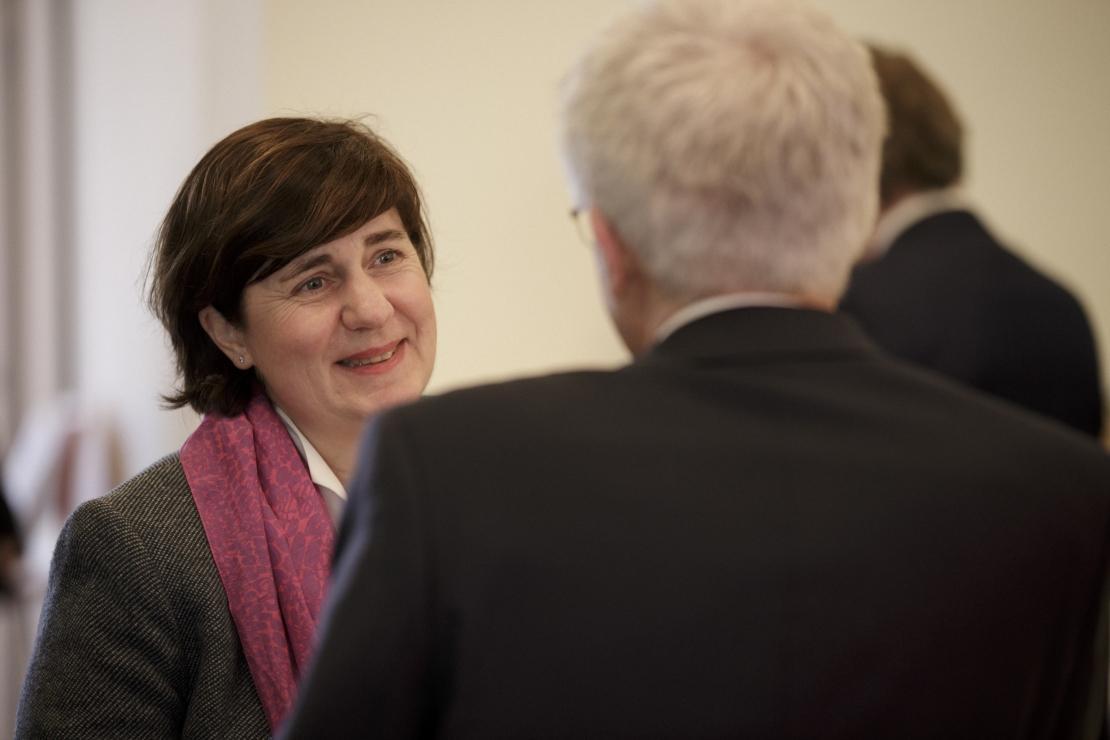 Zeit für Gespräche: Dr. Barbara Filtzinger, Leiterin des Arbeitsgebiets Bildung bei der Siemens Stiftung, mit Bildungsforscher Prof. Dr. Manfred Prenzel