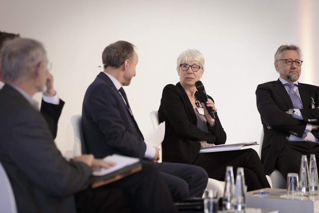 Paneldiskussion zur Wertebildung bei Kindern und Jugendlichen mit Prof. em. Dr. Hans Bertram, Prof. Dr. med. Hans-Jochen Heinze, Prof. Dr. Monika Keller und Prof. Dr. Schubarth.