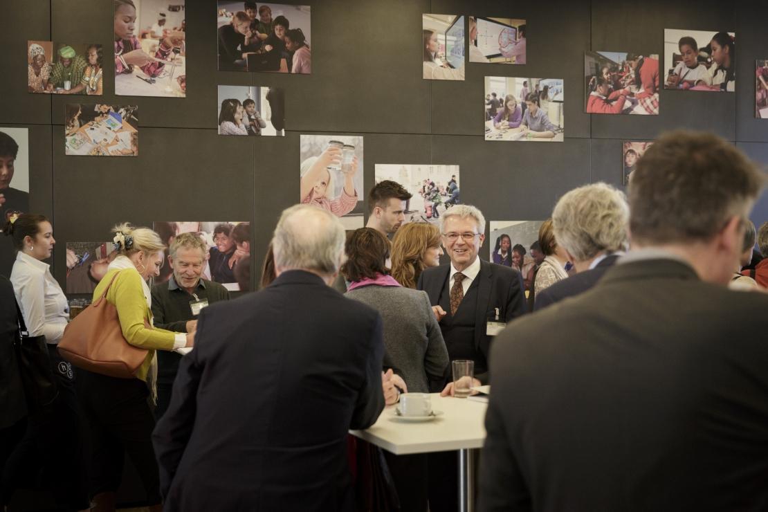"""""""Wert""""-volle Diskussionen, Vorträge und Gespräche – Am 27. März fand in der Münchner Gaszählerwerkstatt auf Initiative der Siemens Stiftung die Fachtagung MINT und Werte statt."""