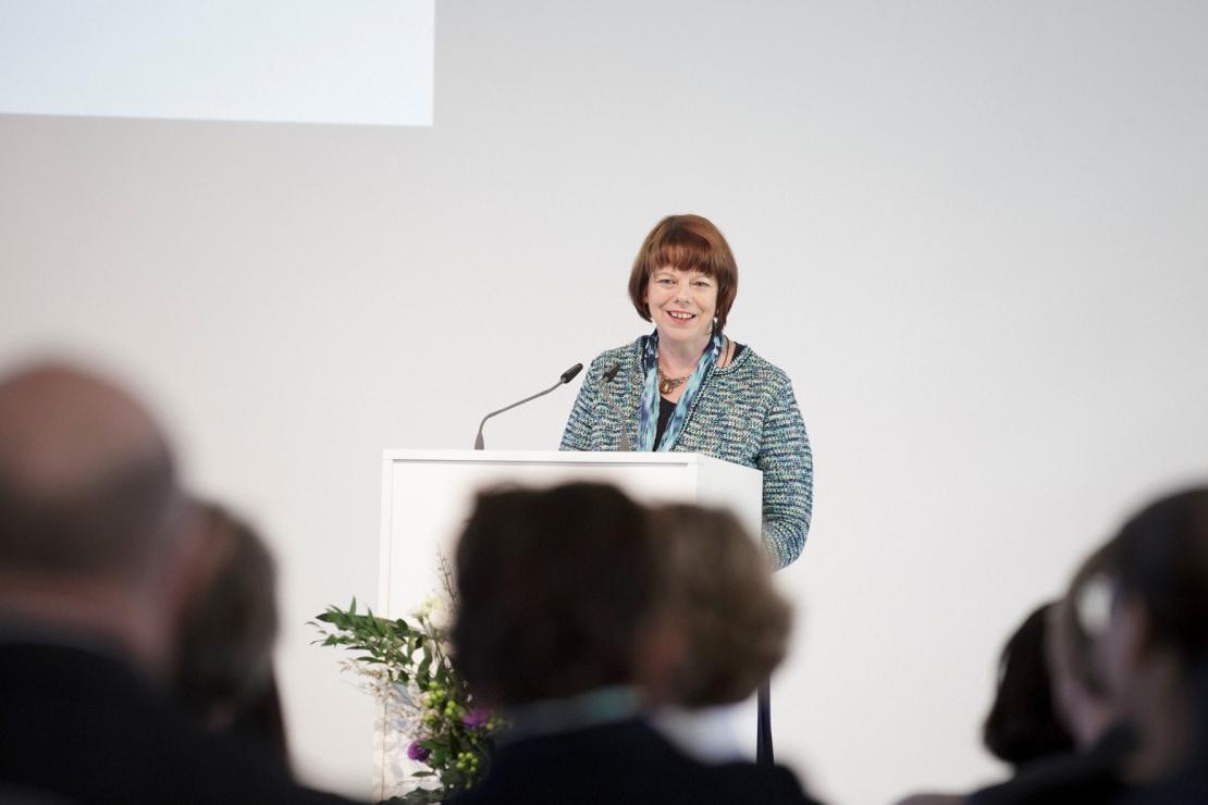 """""""Alle Unterrichtsfächer müssen ihren Beitrag zur Wertebildung leisten."""" – Heidi Weidenbach-Mattar, ständige Vertreterin des Generalsekretärs der Kultusministerkonferenz"""